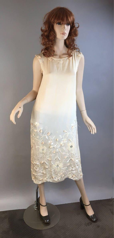 Vintage 20s Wedding Dress// Silk Embroidered Appli