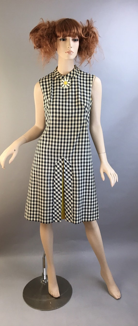 Vintage Mod Dress// Gingham Shift Dress// Vintage