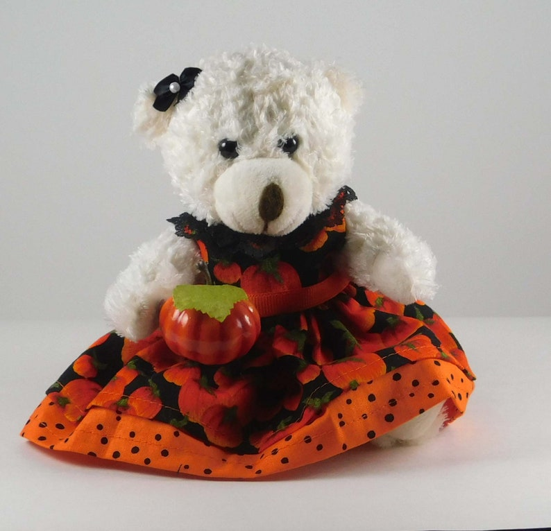Pumpkin Table Décor for Halloween Party or Fall Mantle image 0