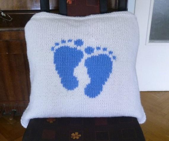 ac40f9269723 Knitting Pattern-Baby Boy Feet Blanket by