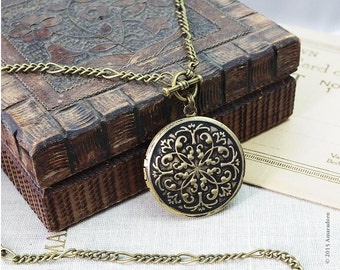 Victorian Locket Necklace, Antiqued Brass Locket with Figaro Chain, Ornate Locket Pendant, Vintage Style Necklace, Handmade Keepsake Gift