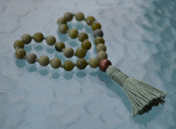Taiwan Green Jade Hand Knotted Quarter Mala Necklace -Energized Karma Nirvana Meditation 8mm 108 Prayer Bead For Awakening Chakra Kundalini
