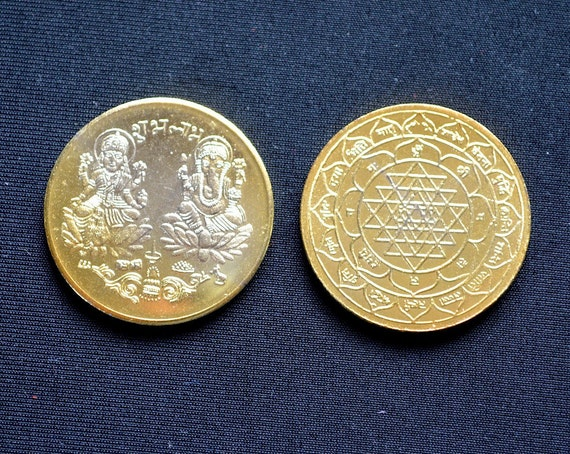 Sri Shri Maha Laxmi Lakshmi Ganesh Ganpati Yantra Yantram Gold toned Coin - Energized Diwali Puja Coin For Good Luck, Wealth and Prosperity