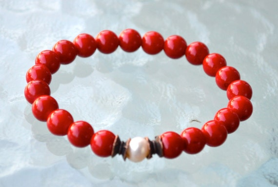 Red Coral Fresh Water Pearl Wrist Mala Beads Bracelet - Attract love Assists clear reasoning Inventiveness Balanced opinion Truthfulness