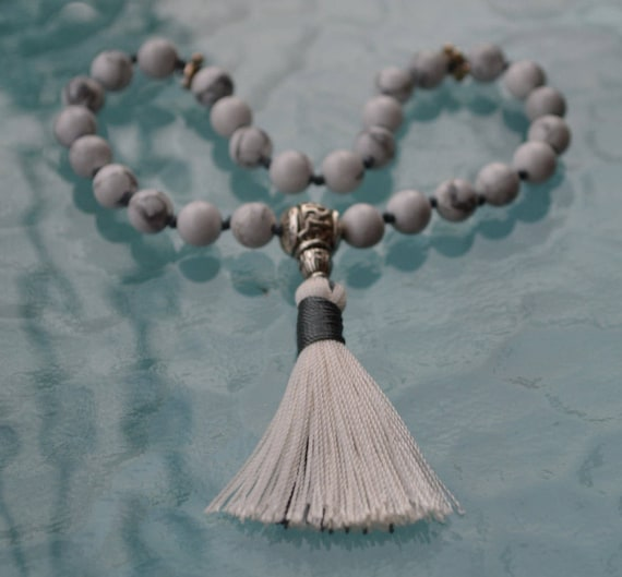 Howlite Hand Knotted Tibetan Mala Beads, Quarter Mala, 3rd Chakra Pocket Mala - Balances Calcium, Relieves Stress, Insomnia, Absorbs Anger