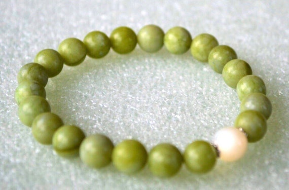 Genuine Mother of Pearl Taiwan Jade Bracelet for Fertility Pregnancy Fluid Retention Protective, Calming emotions, Endurance,