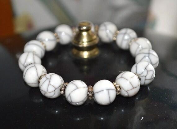 Mala Bracelet Wrist Mala Healing Howlite Bead Yoga Bracelet,  mala wrist bracelet, yoga birthday gift, white howlite mala, present for her