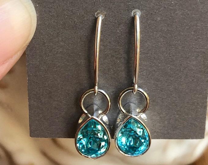 Swarvoski earrings, pear shape Swarvoski earring, dainty turquoise blue swarvoski crystal earrings, swarvoski jewelry, teardrop earring.