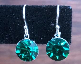 Dainty emerald green drop earrings, sterling silver small green drop earrings, small emerald green crystal earrings, emerald green crystal.