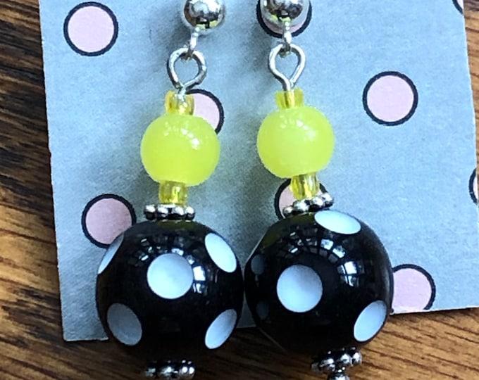Polka dot earrings, black and white polka dot post earrings, polka dot post earrings, ball post earrings, retro polka dot ball post earrings