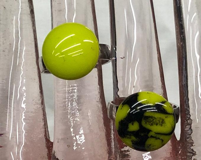 Rings, adjustable rings, green rings, green glass rings, green/black glass.