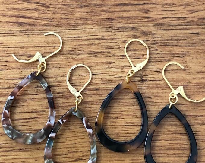 Tortoise shell teardrop earrings, tortoise shell acrylic earrings, confetti acrylic earrings, dangle teardrop earrings, teardrop earrings.