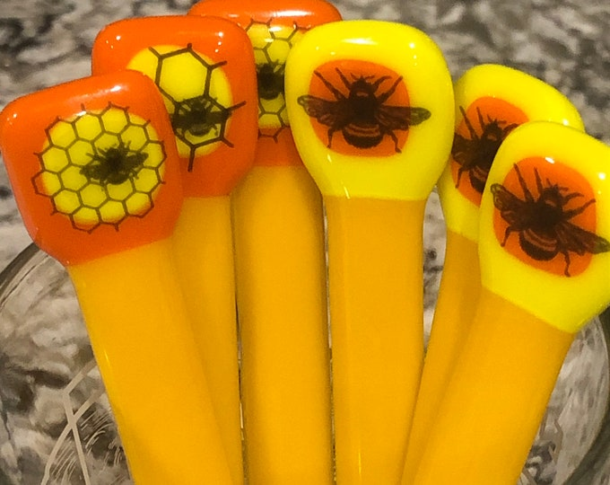 bee glass drink stirrers, swizzle sticks, fancy glass drink stirrers. Reusable drink stirrers, glass cocktail stir sticks with bees and hive