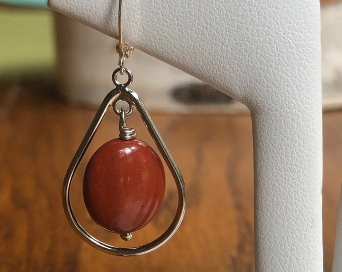 Red jasper hoop earrings, hoop earrings with red jasper, red jasper dangle earrings, dangle earrings with red jasper and teardrop hoop.