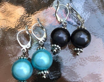 Round miracle bead earring, simple round earrings, iridescent round bead earrings, charcoal grey earrings, light blue fashion earrings.
