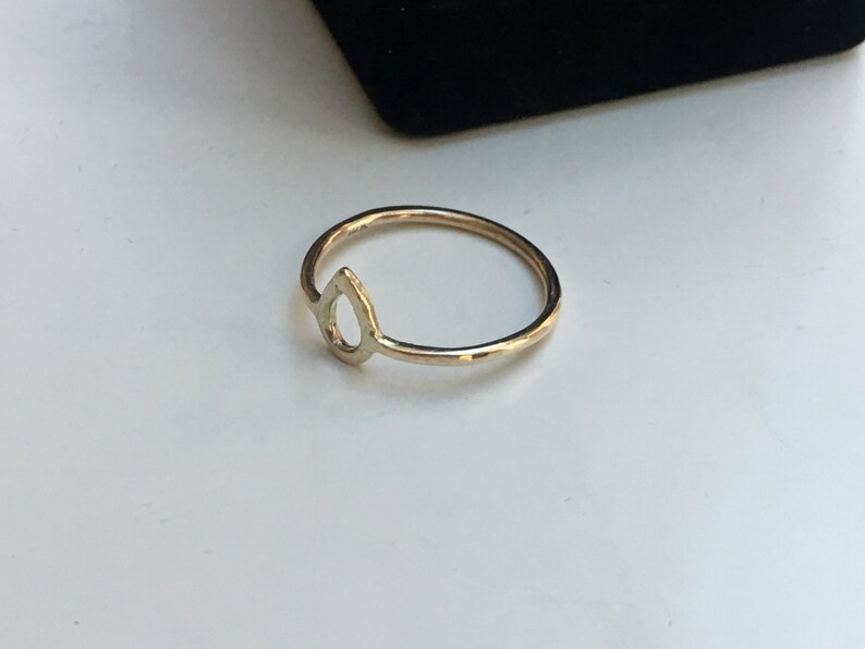 14K Gold Ring Raindrop or Teardrop Shape Open Figure Hallmarked 14K 1.3mm Band SOLID GOLD Hammered Texture