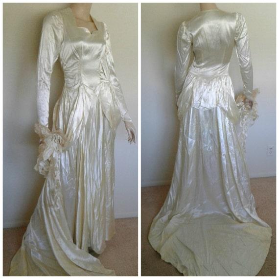 Vintage 30s/40s Wedding Dress/White Ivory Satin /A