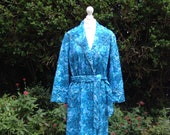 Vintage 1960s Handmade Quilted Dressing Gown. Turquoise Blue Floral. House Coat, Robe, Nightwear, Loungewear.