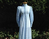 Vintage 1960s, 1970s Pale Blue Lace Edwardian Style Robe. Dressing Gown, Housecoat, Peignoir. Boudoir, Glamour, Pin-Up.
