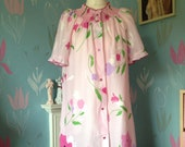 Vintage 1960s, 1970s Pink Floral Baby Doll Style Robe, Wrap, Nightie, House Dress, Press Studs.