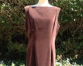Vintage 1950s, 1960s Chocolate Brown Velvet, Velveteen Dress. Straight Dress, Wiggle Dress, Back detail.