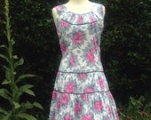 Vintage 1950s Mid Century cotton floral dress with dropped waist & tiered skirt. Tea dress, swing dress, Rockabilly