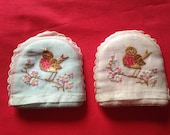 Pair of Vintage c. 1930s, 1940s Boiled Egg Cosies with Embroidered Robins, Kitchen Table Ware, Breakfast. Retro Home.