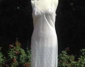 Vintage c. 1960s white lace full slip, petticoat. Underwear, lingerie. Bridal, honeymoon.