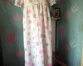 Vintage 1970s White & Pink Floral Full Length Maxi Night Dress. Nightie, Night Gown, NightWear. Loungewear, Sleepwear. Ruffles, Lace, Ribbon