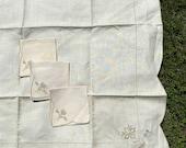 4 Piece Set of Antique, Vintage Table Linen, Table Cloth, Napkin, Serviette, Retro Homeware, Kitchenalia.