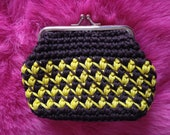 Vintage 1960s, 1970s Brown & Yellow Coin Purse. Knitted Effect. Vintage Accessory.