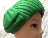 Vintage 1960s Bright Green Nylon Ladies Hat, Pleated, Headwear, Vintage Accessory.