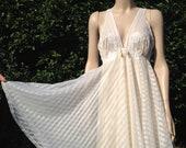 Vintage 1950s, 1960s Peach & Cream Nylon Baby Doll Nightie, Nightdress, Bridal Nightwear