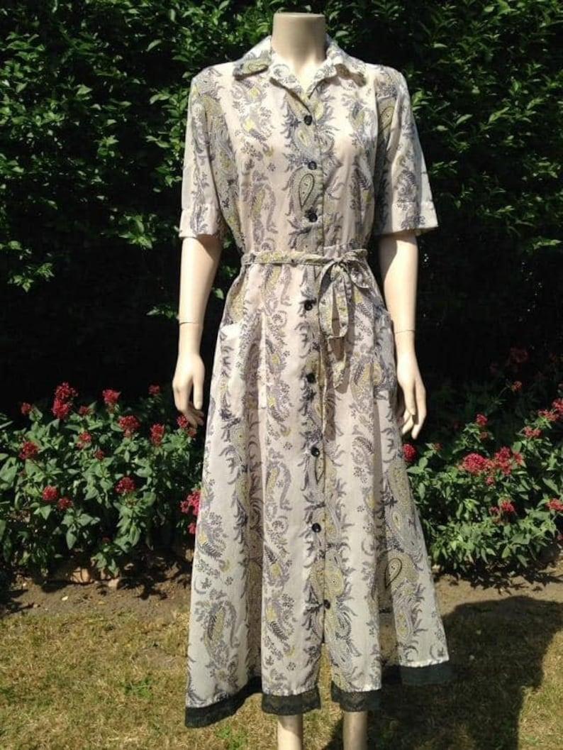 Vintage 1950s Seersucker House Dress Selfridge's. House image 0
