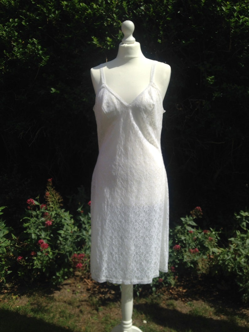 Vintage c. 1960s white lace full slip petticoat. Underwear image 0