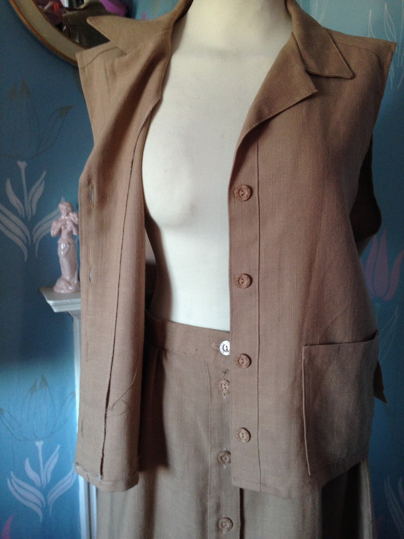 Vintage 1970s Ladies Two Piece Brown Unworn with tags Beige Gerry Finn Linen Suit Skirt and Blouse Safari style suit.