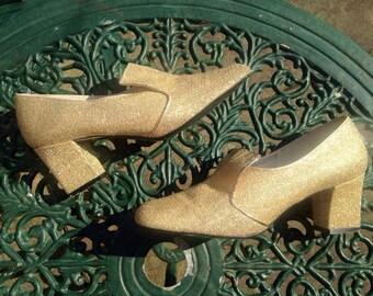 Vintage 1960s, 1970s, Gold Lurex, Lame, Ladies Shoe from Debonair.