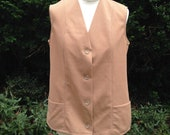 Vintage 1970s Ladies Light Brown Polyester Sleeveless Jacket. Waistcoat, Vest, Gilet. Crimplene.