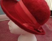Vintage 1950s 1960s Red Felt Ladies Hat, Bow, Brim, Fedora Style, Headwear, Vintage Accessory.