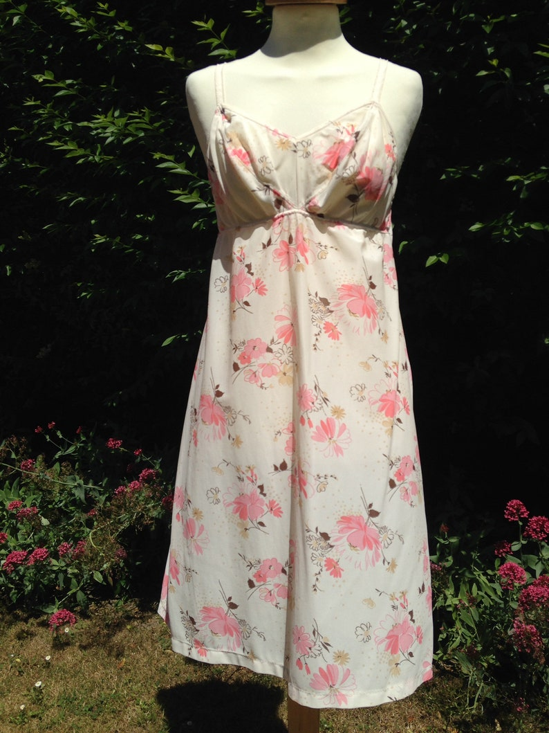 Vintage 1960s 1970s Pippa Dee full nylon slip petticoat. image 0