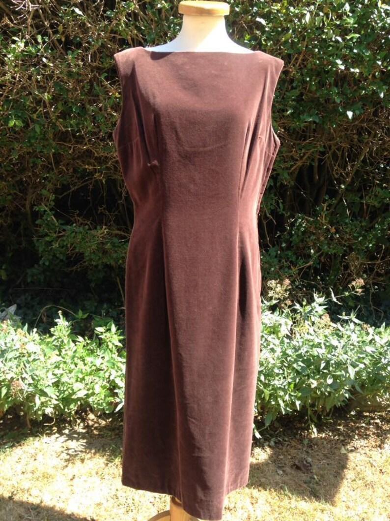 Vintage 1950s 1960s Chocolate Brown Velvet Velveteen Dress. image 0