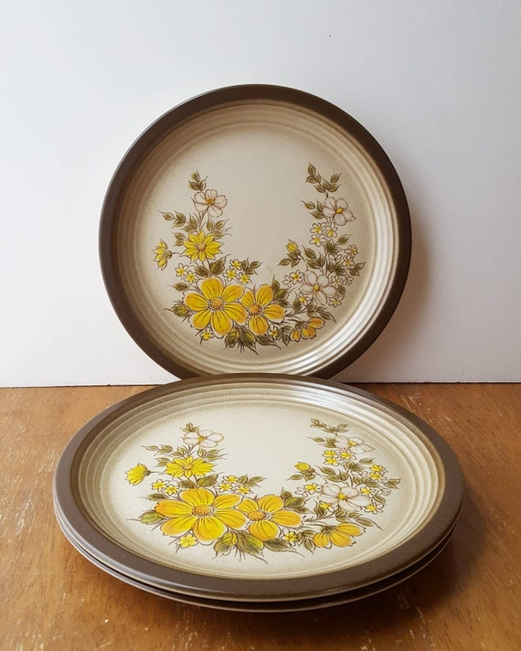 3 Wallace Heritage Painted Desert Summer Morn Dinner Plates