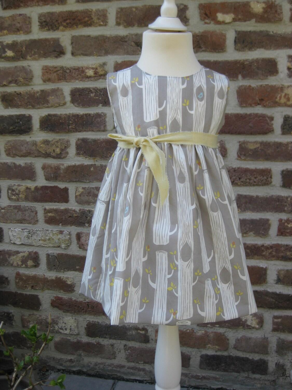 Kinder Kleid für Mädchen in grau mit weißen Bäumen in 100% ...