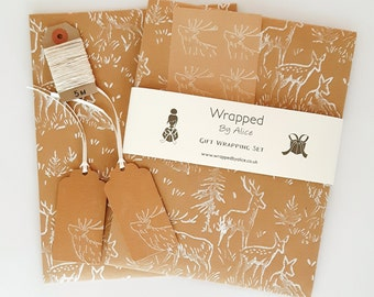 Deer Gift Wrapping Set: 2 Handmade Kraft Wrapping Paper Sheets, 2 Gift Tags, 4 Stickers, 5m Hemp Cord.