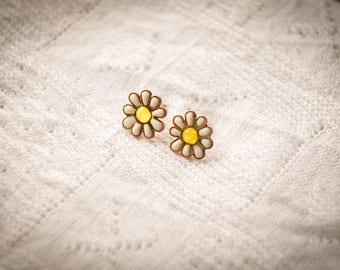 Camomile earrings, Camomile studs, Camomile jewelry, Flower earrings, Flower jewelry, White flowers.