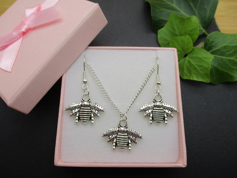 Silver Bee Earrings and Necklace Gift Set