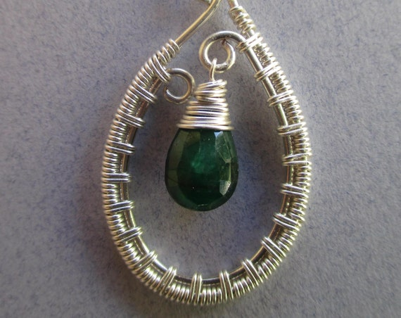 Emerald Woven Wire Pendant Necklace N47186