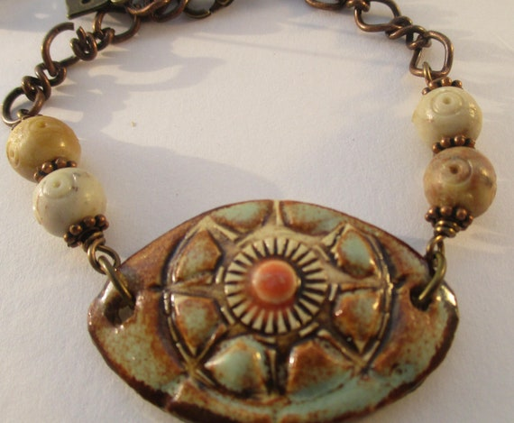Soapstone and Handcrafted Sunburst Ceramic Pendant Bracelet B914171