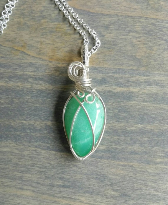 Chrysoprase Wire Wrapped Pendant Necklace N6151910