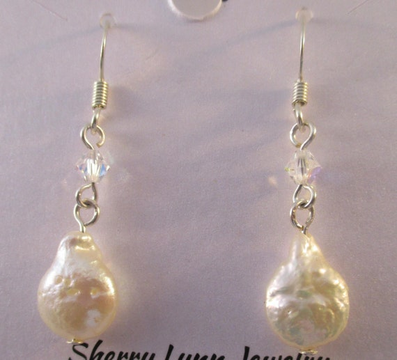 Freshwater Pearl and Swarovski Crystal Earrings E112172